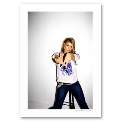 Fergie Flashing the L.A. Sign (Copyright Krystal Ball Production, Inc.)