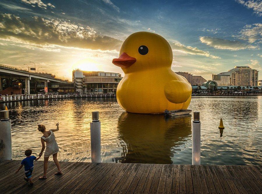 900x666xthe-giant-rubber-ducky-Australia